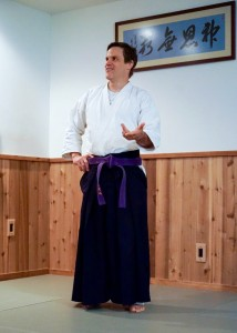 hakkoryu-kennin-dojo-150830-john-talking - 1